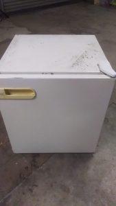倉敷市広江付近で回収させて頂いた小型冷蔵庫