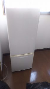 倉敷市水島付近で回収させて頂いた2ドア冷蔵庫